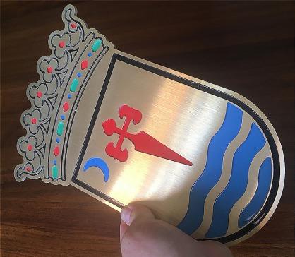 escudos en relieve, logos corporeos acero aluminio laton, señalizacion edificios, indicativos hotel