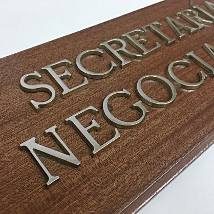 Letras corporeas aluminio pulido placas identificativas puertas