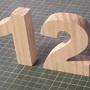numeros y letras de madera